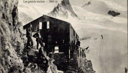 Haute-Savoie-Ascension-du-Mont-Blanc-Les-grand-mulets-Schutzhuette-Bergsteiger