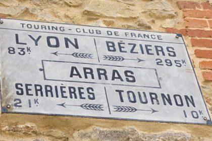 Touring club de France - Panneau indicateur